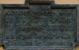 - Gedenktafel - Katholisches Jugendheim