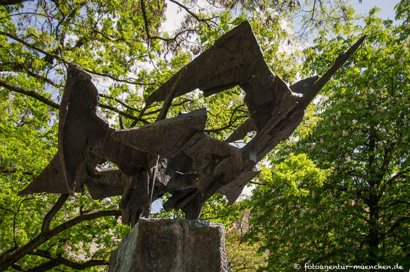 Auffliegende-Vögel-Brunnen