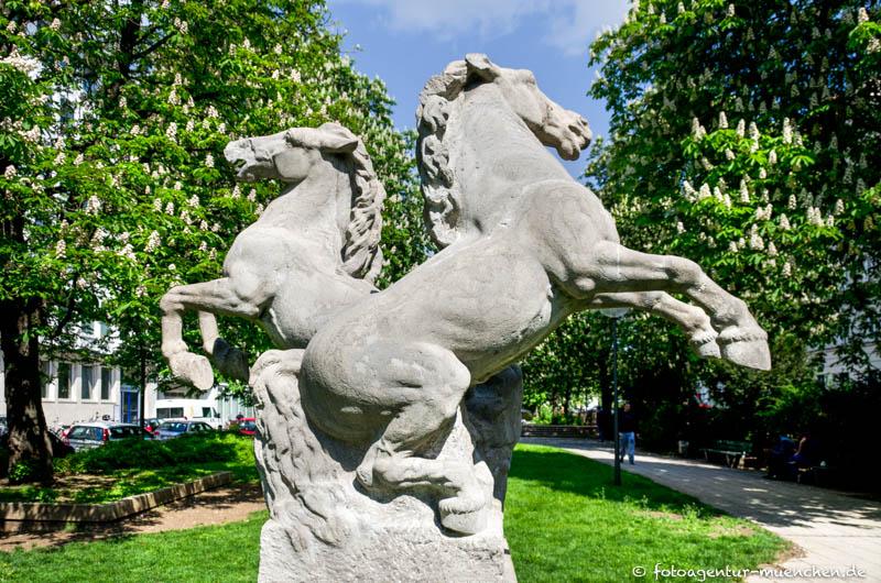 Springende Pferde - Mikorey Franz