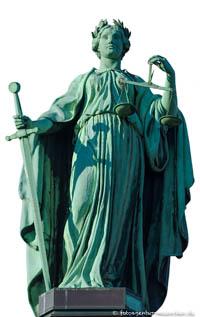 - Justitia (Gerechtigkeit) Halbig Johann von
