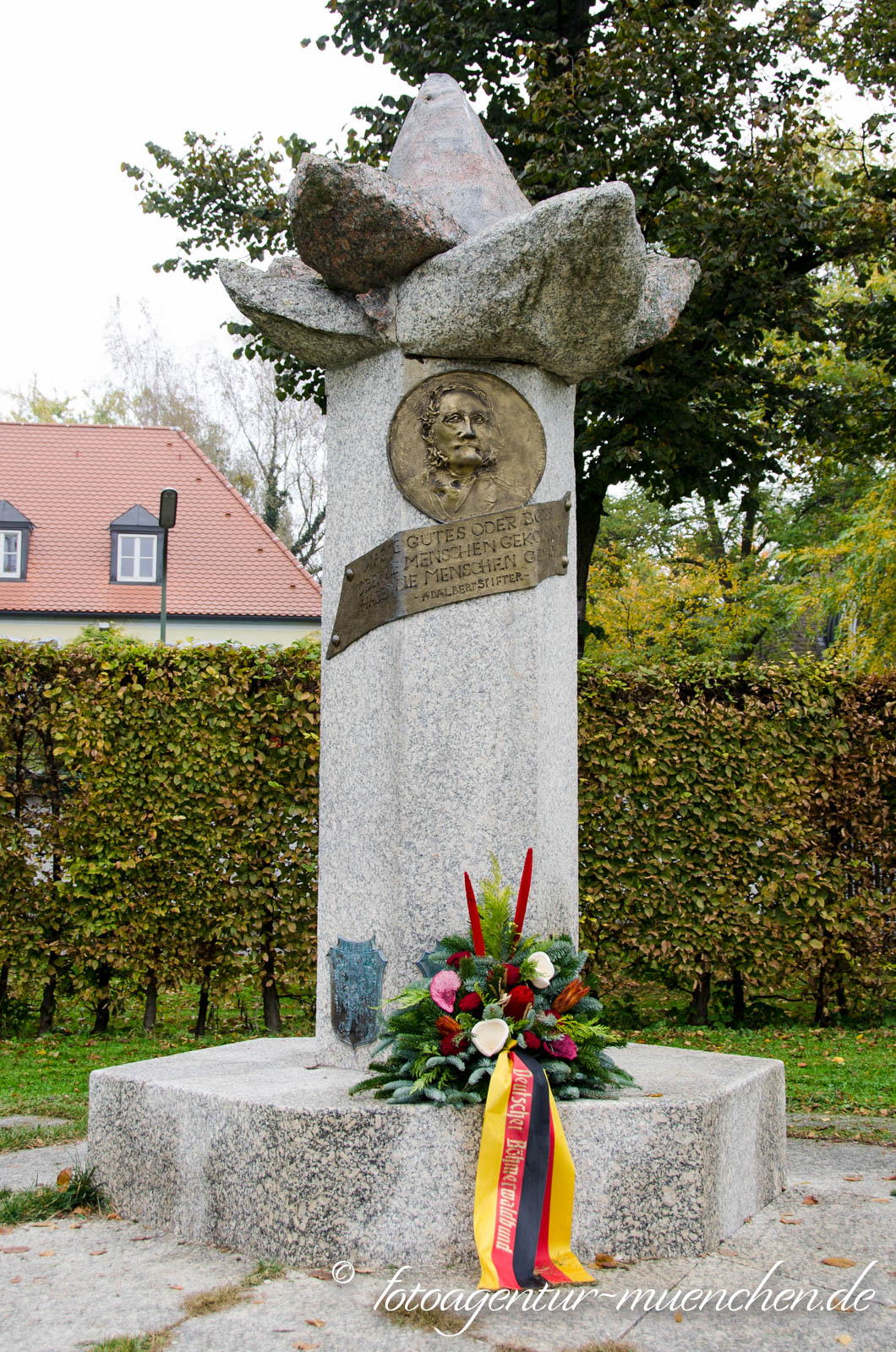 Adalbert-Stifter-Denkmal