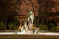 - Neptunbrunnen