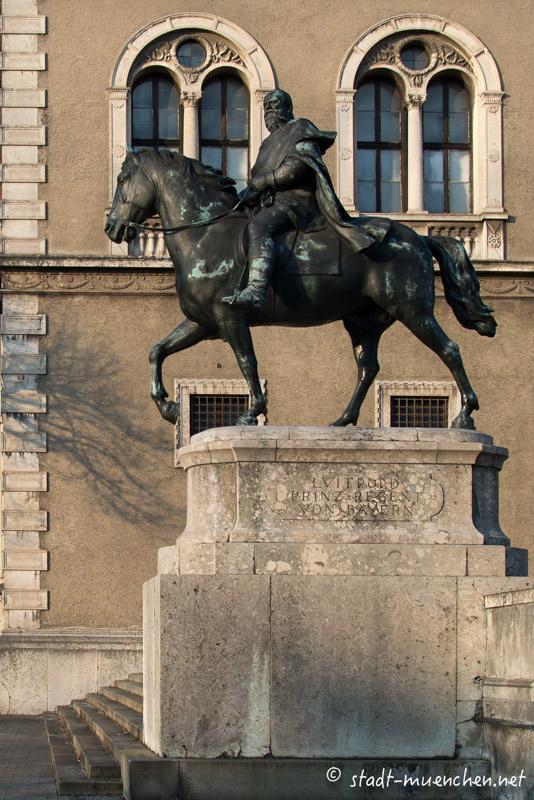Reiterdenkmal Luitpold von Bayern