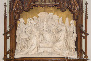 Heilig-Kreuz-Kirche - Hochrelief