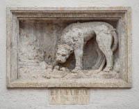 - Löwenrelief