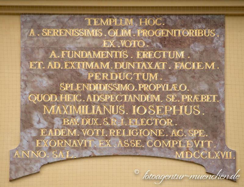 Weiheinschrift - Theatinerkirche