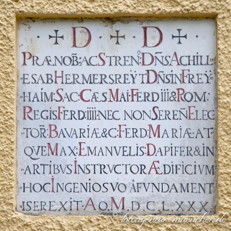 Gedenktafel am Freihamer Schloss