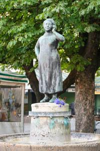 - Liesl Karlstadt Brunnen