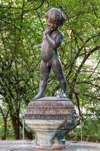 - Joseph-Ruederer-Brunnen