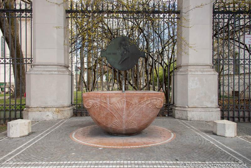 Klenze-Brunnen