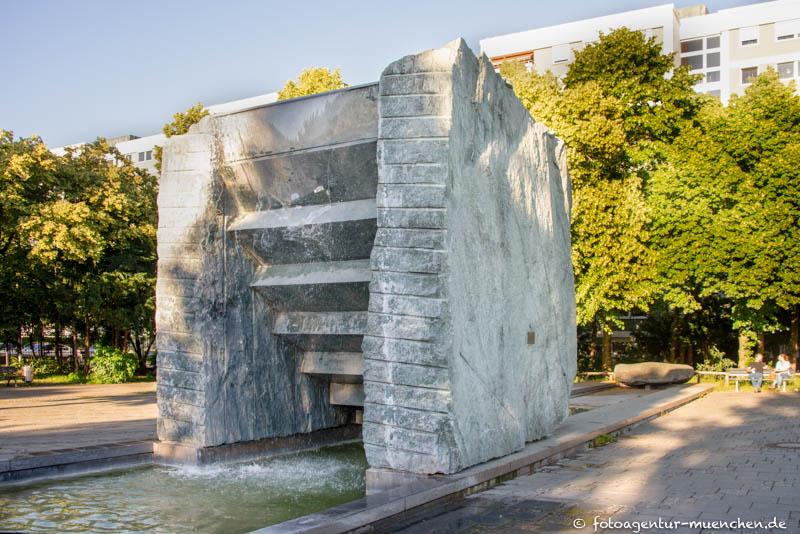 Treppen-Brunnen